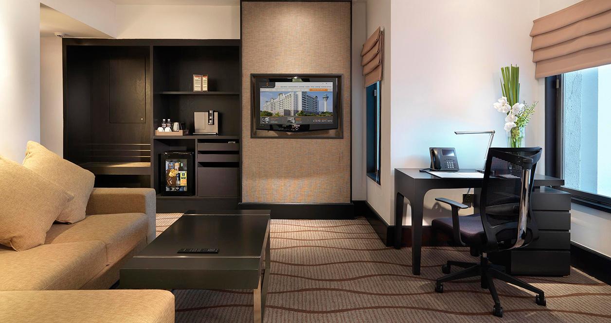Sama sama hotel for Lounge room suites