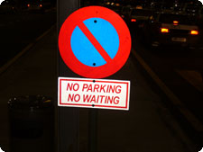 No Parking/Waiting