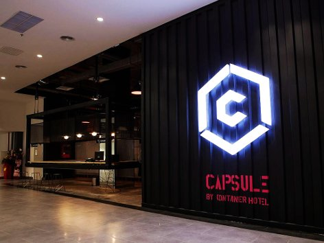Capsule by Container Hotel KLIA2